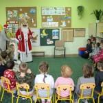 Mikołaj Święty daje prezenty!
